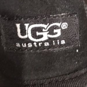 UUG boots size 6!
